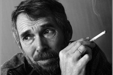 """Интервью с писателем Евгением Лукиным: """"читайте, пожалуйста, помедленнее...""""."""