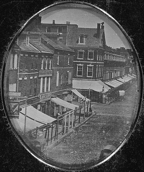 502px-Philadelphia_8th_&_Market_1840