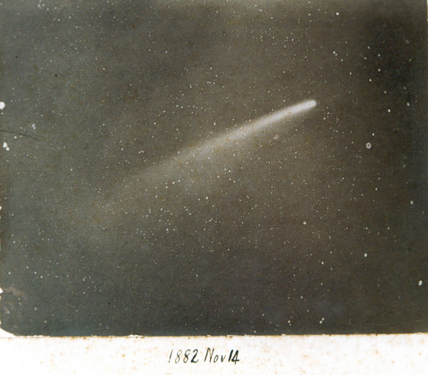 Фотография Великой кометы, 14 ноября 1882 (Обсерватория на Мысе Доброй Надежды, Южная Африка).