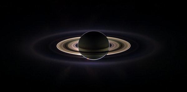 Фотография Сатурна с Кассини, сделанная 15 сентября 2006 года.