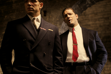 Tom-Hardy-as-the-Kray-twins